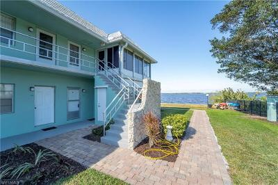 Fort Myers Single Family Home For Sale: 3225 E Riverside Dr #24