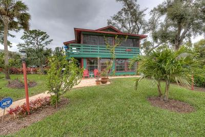 Single Family Home Pending With Contingencies: 26290 Coventry Ln
