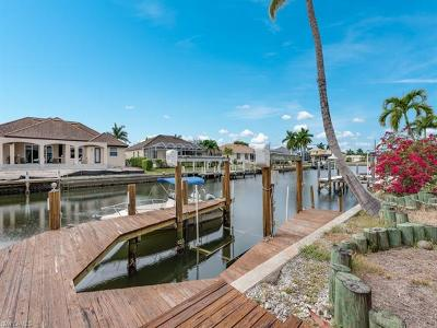 Marco Island Single Family Home For Sale: 1790 Maywood Ct
