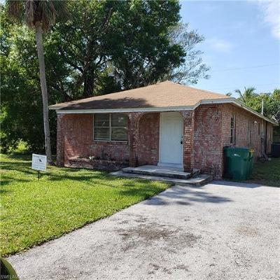 Naples Single Family Home For Sale: 4704 Acadia Ln