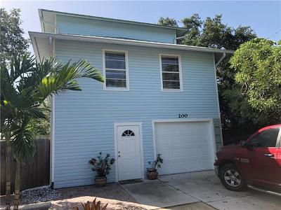 Fort Myers Beach Single Family Home For Sale: 200 Eucalyptus Ct