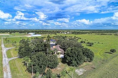 Punta Gorda Single Family Home For Sale: 5251 Rustic Dr