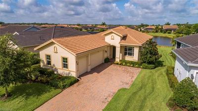 Fort Myers Single Family Home For Sale: 12812 Fairway Cove Ct