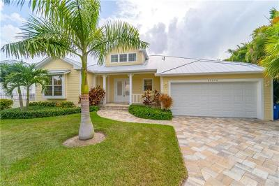 Bonita Springs Single Family Home For Sale: 27070 Flamingo Dr