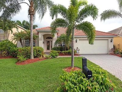 Estero Single Family Home For Sale: 9929 N Colonial Walk