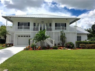 Fort Myers Single Family Home For Sale: 6880 Circle Dr