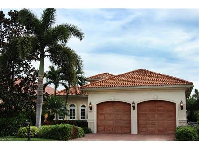 Naples Single Family Home For Sale: 5957 Hammock Isles Cir