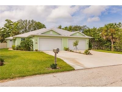 Fort Myers Multi Family Home For Sale: 15556 Kapok Ct