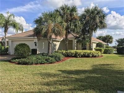 Fort Myers Single Family Home For Sale: 10083 Oakhurst Way