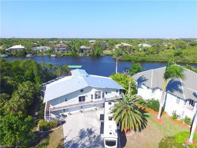 Bonita Springs Single Family Home For Sale: 3648 Margina Cir