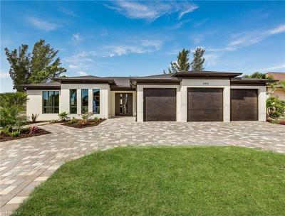 Bonita Springs Single Family Home For Sale: 11620 Pin Oak Dr