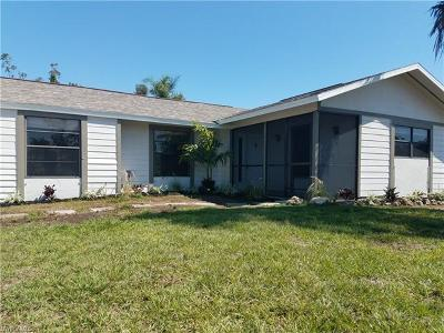 Fort Myers Single Family Home For Sale: 8049 Winged Foot Dr