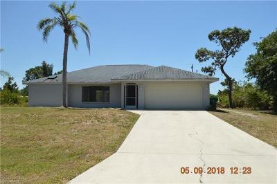 Port Charlotte Single Family Home For Sale: 12161 Gordon Ave