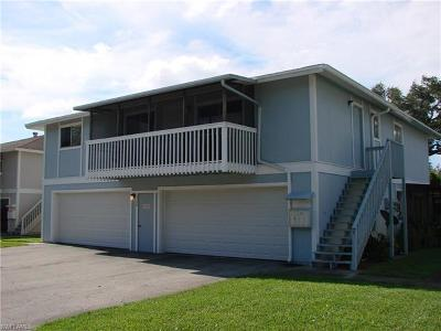 Fort Myers Condo/Townhouse For Sale: 3268 Prince Edward Island Cir #4
