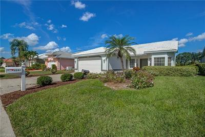 Fort Myers Single Family Home For Sale: 9241 Old Hickory Cir