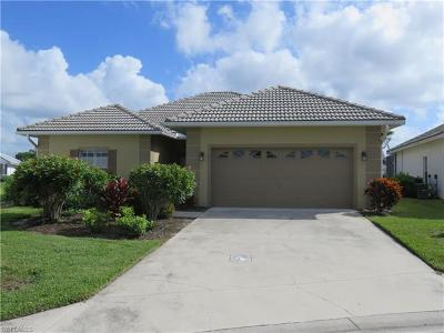 Naples Single Family Home For Sale: 8033 Belmont Ct