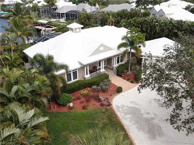 Fort Myers Single Family Home For Sale: 18201 Chesapeake Ct