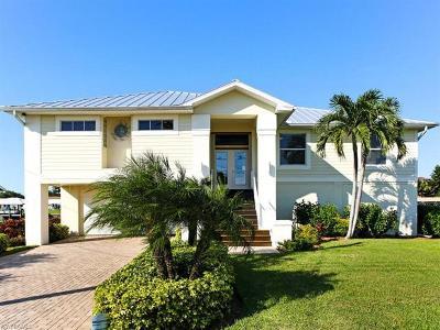 Bonita Springs Single Family Home For Sale: 4858 Regal Dr