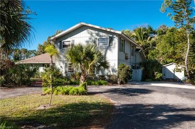 Naples Single Family Home For Sale: 2639 SW 70th St