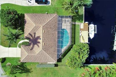Fort Myers Single Family Home For Sale: 1027 S Town And River Dr