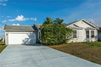 Fort Myers Single Family Home For Sale: 17285 Oriole Rd