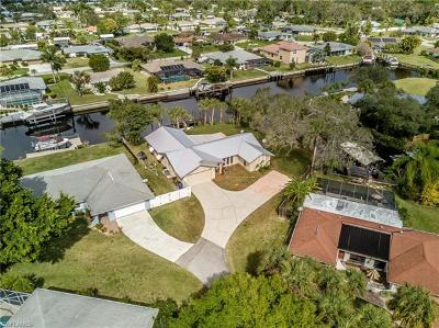 Fort Myers Single Family Home For Sale: 13520 Island Rd