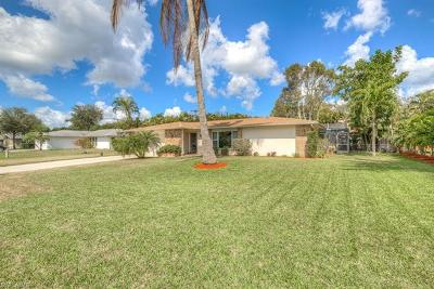 Fort Myers Single Family Home For Sale: 1025 N Town And River Dr