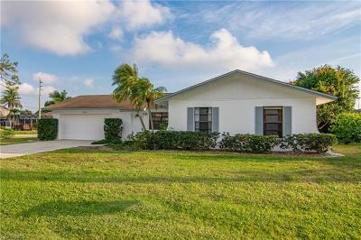 Bonita Springs Single Family Home For Sale: 9670 Pennsylvania Ave