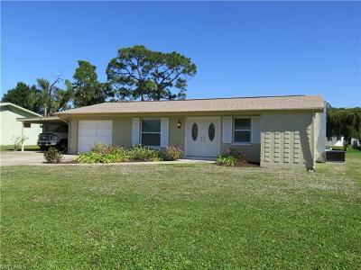 Bonita Springs Single Family Home For Sale: 39 8th St