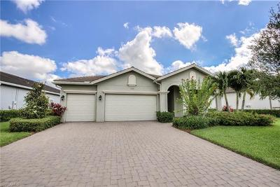 Fort Myers Single Family Home For Sale: 12670 Fairway Cove Ct