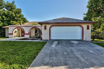 Naples Single Family Home For Sale: 2521 Longboat Dr