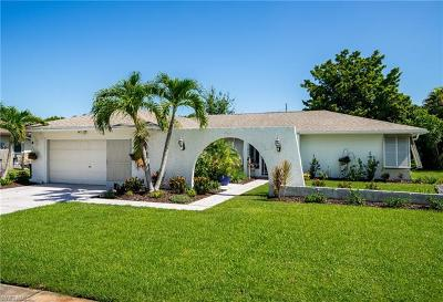 Fort Myers Single Family Home For Sale: 874 Adelphi Ct