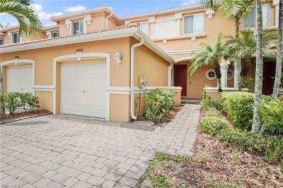 Fort Myers Condo/Townhouse For Sale: 10042 Salina St