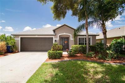 Fort Myers Single Family Home For Sale: 17967 Oakmont Ridge Cir