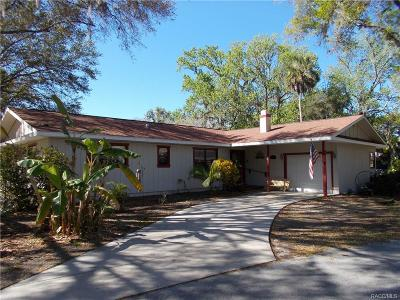 Crystal River Single Family Home For Sale: 1622 SE 2nd Court