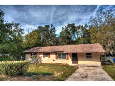 Crystal River Single Family Home For Sale: 725 SE 9th Circle N