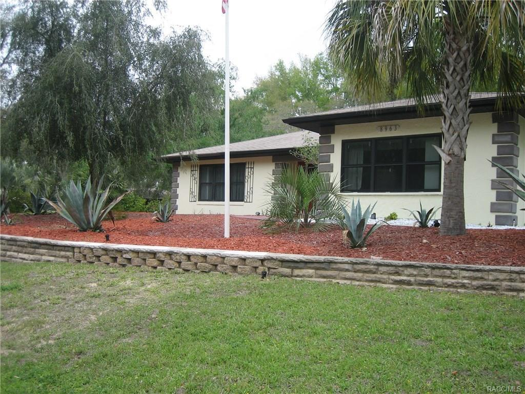 3 bed / 2 baths Home in Citrus Springs for $195,000