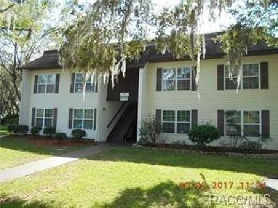 Citrus County Condo/Townhouse For Sale: 2400 Forest Drive #217