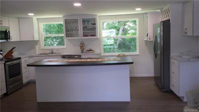 Beverly Hills Single Family Home For Sale: 7 W Lemon Street