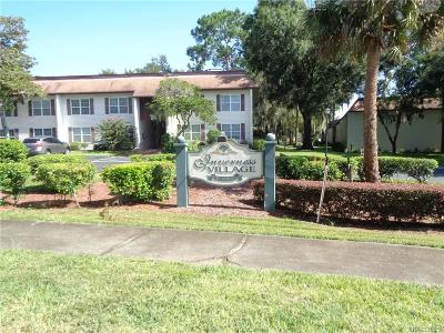 Citrus County Condo/Townhouse For Sale: 2400 Forest Drive #238