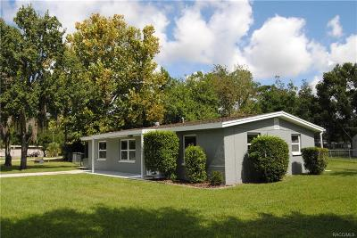 Homosassa Single Family Home For Sale: 7461 W Village Drive