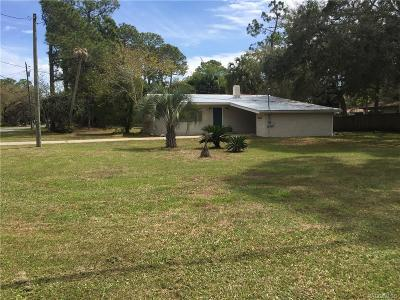 Levy County Single Family Home For Sale: 6811 Riverside Drive