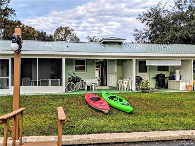 Crystal River Single Family Home For Sale: 129 SE Paradise Point Road #2