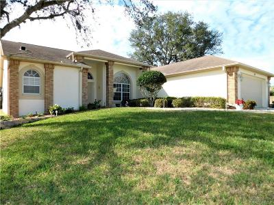 Citrus County Single Family Home For Sale: 62 N Youngtree Point