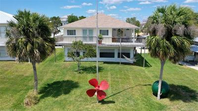 Crystal River Single Family Home For Sale: 2095 S Schooner Drive
