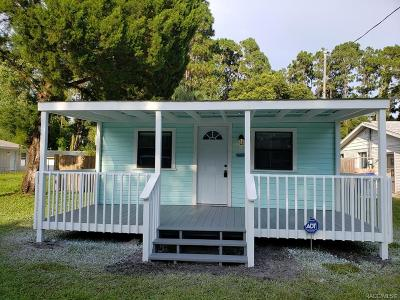 Crystal River Single Family Home For Sale: 915 NE 7th Avenue