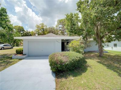 Crystal River Single Family Home For Sale: 5864 W Pine Circle