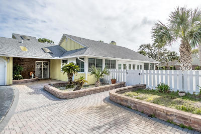 Volusia County Single Family Home For Sale: 737 Pelican Bay Drive