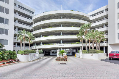 Volusia County Condo/Townhouse For Sale: 3 Oceans West Boulevard #2D1