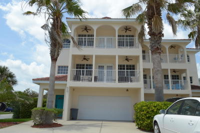 New Smyrna Beach Condo/Townhouse For Sale: 610 S Atlantic Avenue #1